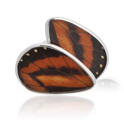 http://site.cufflinksman.com/images/cuffs/400x400_nonwatermarked/AYA-0028_aymara_autumn_leaf_butterfly_cufflinks_1.jpg